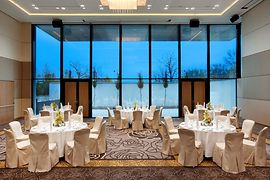 Hilton Vienna Danube Waterfront Grand Waterfront Gala