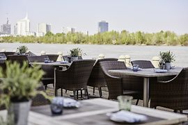 Waterfront Kitchen Terrasse