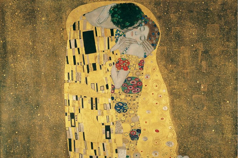 "Painting ""The Kiss"" by Klimt"