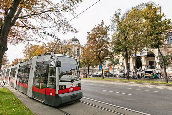 Tram line 71 on the Ringstrasse